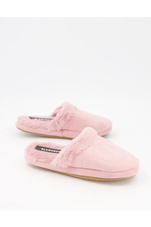 Glamorous Fluffy slippers in pale pink