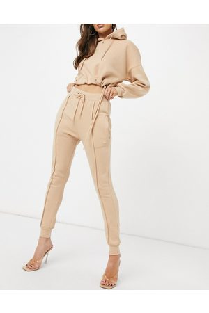 Femme Luxe Tracksuit set in camel-Tan