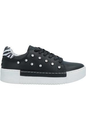 CAFèNOIR Low-tops & sneakers