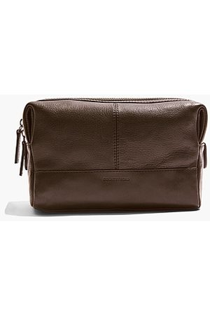COUNTRY ROAD Devoe Leather Wash Bag - Chocolate