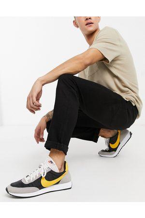 New Look Slim jeans in black