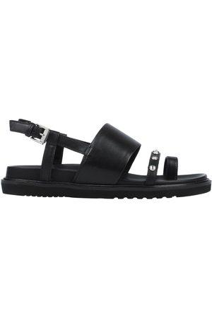 carmens Toe strap sandals
