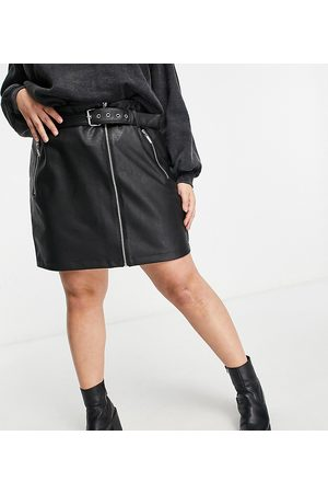 Noisy May Leather-look skirt with zip and belt detail in black