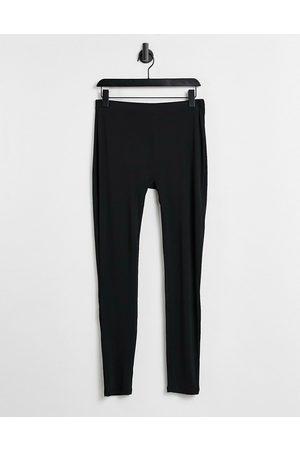 Vero Moda Ribbed leggings in black