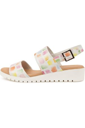 DJANGO & JULIETTE Women Sandals - Maximo Paint Print Paint Sole Sandals Womens Shoes Casual Sandals Flat Sandals