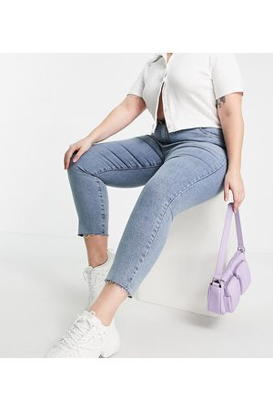 Cotton:On Plus Cotton: On Curve high-waisted mom jeans in mid wash-Blue