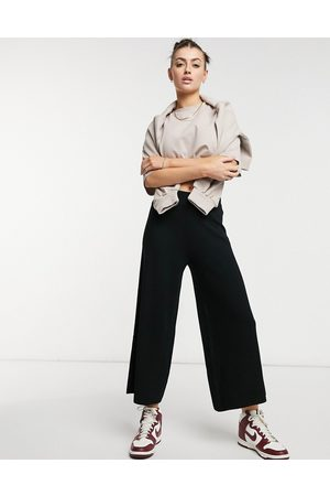 Aligne Knitted culottes in black