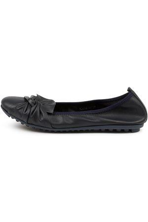 Django & Juliette Women Casual Shoes - Blayne Dj Navy Shoes Womens Shoes Casual Flat Shoes