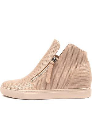 Django & Juliette Gisele Nude Nude Sole Sneakers Womens Shoes Casual Casual Sneakers