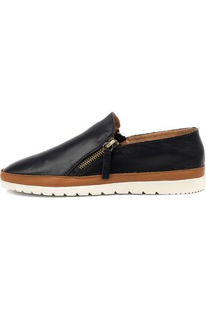 Diana Ferrari Women Casual Shoes - Ashli Df Navy Dk Tan Shoes Womens Shoes Casual Flat Shoes