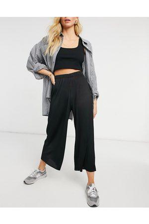 ASOS Women Culottes - Plisse culotte pants in black