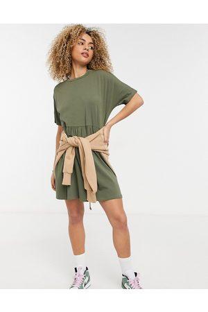 Noisy May Mini smock T-shirt dress in khaki-Green