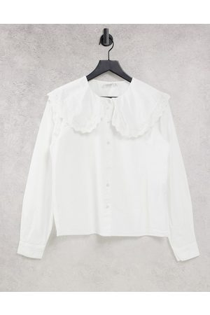JDY Shirt with oversized collar in white