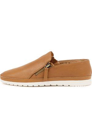 Diana Ferrari Women Casual Shoes - Ashli Df Dk Tan Shoes Womens Shoes Casual Flat Shoes
