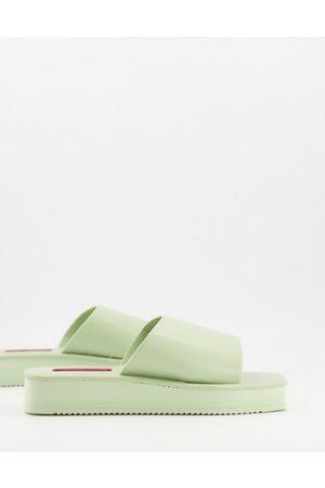 London Rebel Women Sandals - Flatform nineties sandals with square toe in sage-Green