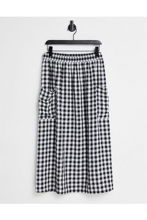 ASOS Midi skirt with pocket detail in textured mono gingham check print-Multi