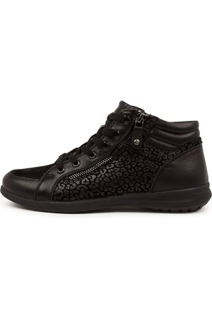 SUPERSOFT Fumina Su Leopard Sneakers Womens Shoes Casual Casual Sneakers