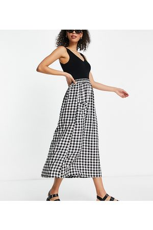 ASOS ASOS DESIGN Tall midi skirt with pocket detail in textured mono gingham check print-Multi