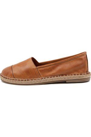 Diana Ferrari Umenia Df Tan Shoes Womens Shoes Casual Flat Shoes