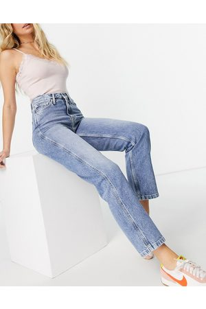 Calvin Klein High-rise straight jean in light wash blue