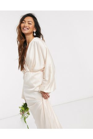 TFNC Bridesmaid long sleeve sateen maxi dress in light blush-Cream