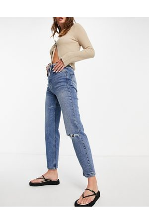 Stradivarius Organic cotton slim mom jeans with stretch and rip detail in medium blue