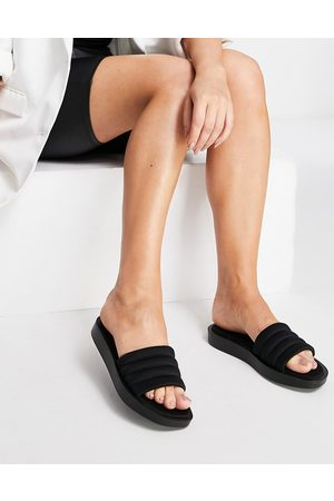 Qupid Paddded chunky slides in