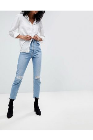 ASOS DESIGN High-rise farleigh 'slim' mom jeans in light vintage wash with busted knee and rip and repair detail-Blue