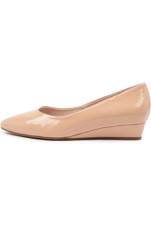 SUPERSOFT Elandra Su Nude Shoes Womens Shoes Casual Heeled Shoes