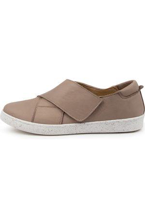 Diana Ferrari Women Casual Shoes - Sassienia Df Taupe Sneakers Womens Shoes Casual Casual Sneakers