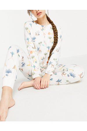 Chelsea Peers Eco poly long top and trackies pyjama set in yoga ladies print-White