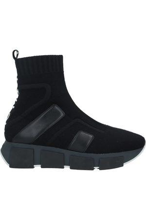 VIC MATIE High-tops & sneakers