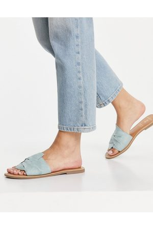 Accessorize Mule sandals with twist strap in mint suede-Green