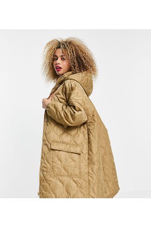 COLLUSION Unisex lightweight longline quilted jacket in beige-Neutral