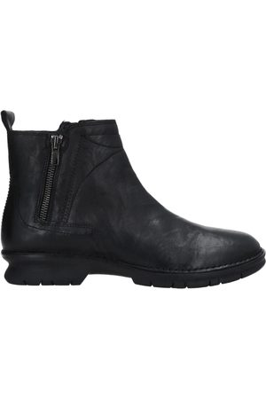 Khrio Ankle boots