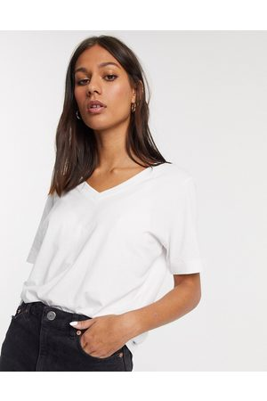 SELECTED Femme organic cotton v neck t-shirt with short sleeves in white-Multi