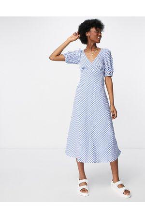 New Look Puff-sleeved midi tea dress in blue gingham