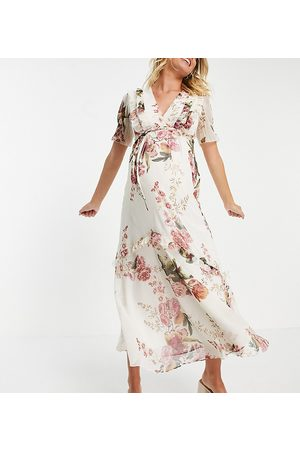 HOPE & IVY Flutter sleeve maxi dress in ivory oversized rose print-Multi