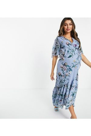 Hope & Ivy Maternity Contrast lace puff sleeve midi dress in powder blue floral