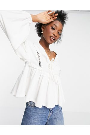 ASOS DESIGN Tops - Smock top with v-neck and lace trim detail in white