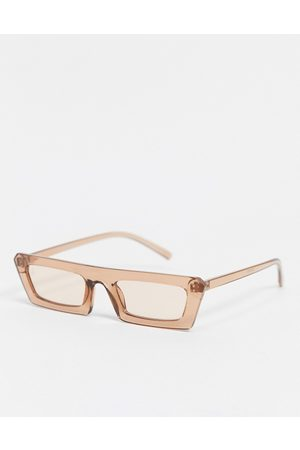 Jeepers Peepers Women's flat brow sunglasses in brown