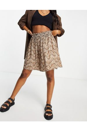 VILA Mini skirt with shirred detail in abstract print-Multi