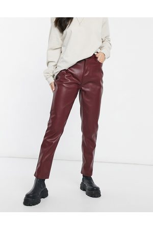 Urban Bliss Faux leather straight leg pant in burgundy-Red