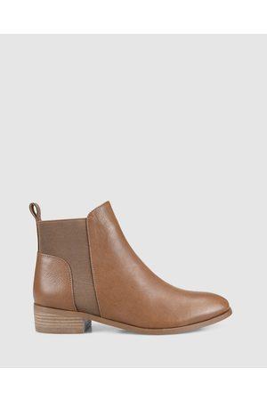 Siren Saucey - Boots (Tan) Saucey