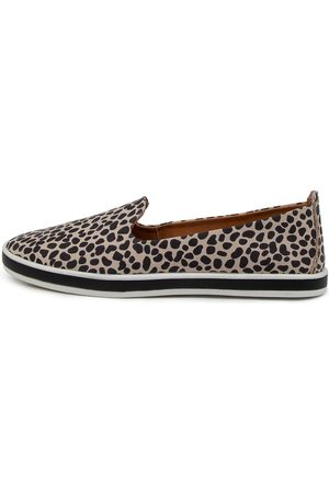 Alfie & Evie Women Casual Shoes - Gibbly Al Animal Shoes Womens Shoes Casual Flat Shoes