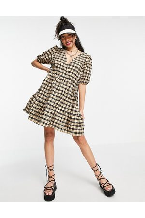 New Look Wrap mini smock dress in cream check-White
