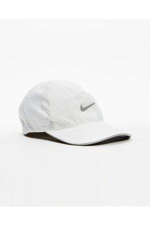 Nike Dri FIT Aerobill Featherlight Perforated Running Cap - Headwear Dri-FIT Aerobill Featherlight Perforated Running Cap
