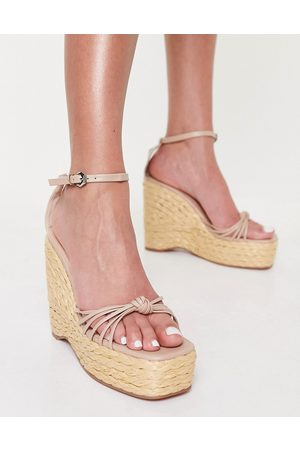 SIMMI Shoes Simmi London Nadir skinny strap espadrille wedge sandals in camel-Neutral