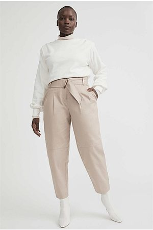 WITCHERY Buckle Pant