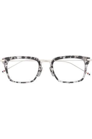 Thom Browne Eyewear Sunglasses - Wayfarer cat-eye shaped glasses